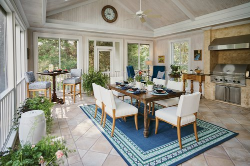 Veranda Saxton Setting with Barstools